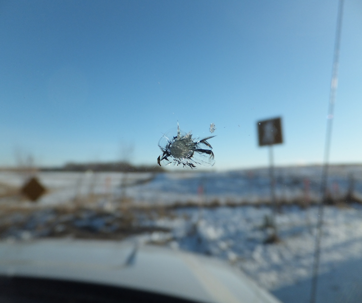 When Is Repairing or Replacing a Damaged Windshield a Must?